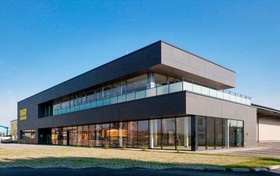 Zukunftsweisender Neubau für dachundwand am Standort Achau