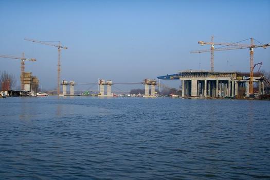 Pont sur la Sava à Belgrade