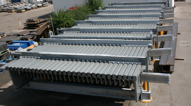 In January 2016, these 28-module expansion joints with fuse box were shipped to Turkey, where they shall be installed in March. : In January 2016, these 28-module expansion joints with fuse box were shipped to Turkey, where they shall be installed in March.