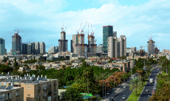 In Tel Aviv, a number of high-rise structures are currently being realised with the help of PERI climbing technology. : In Tel Aviv, a number of high-rise structures are currently being realised with the help of PERI climbing technology.
