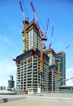 For the cost-effective construction of the 164 m high twin towers, PERI Climbing Formwork and Protection Panels have been optimally matched.