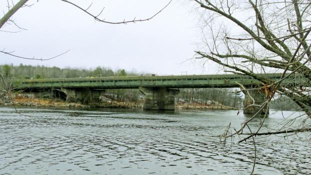 Die Androscoggin River Bridge während der Instandsetzung