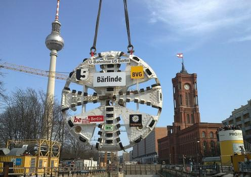 "The 74 meter long, 700 tonne tunnel boring machine ""Bärlinde"" drilled under the Spree River, on to the Humboldtforum and Spree Canal, below Unter den Linden and onwards to the U-Bahn station at the Brandenburg Gate"