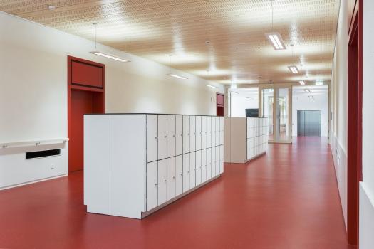 Lycée technique pour professions de santé: Le Lycée technique pour professions de santé a reçu un certificat environnemental selon la norme suisse de construction Minergie-P-Eco.