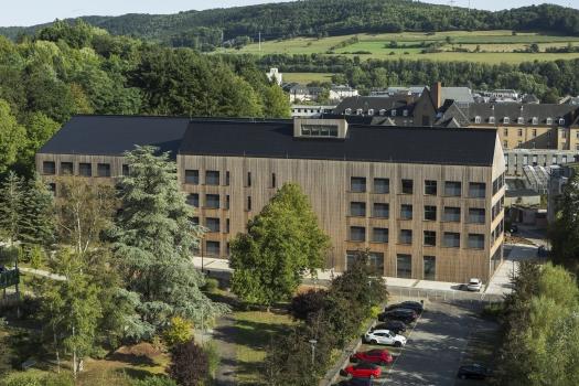 Lycée technique pour professions de santé:L'école d'infirmières, le Lycée technique pour les professions de santé, est située sur la commune d'Ettelbrück.