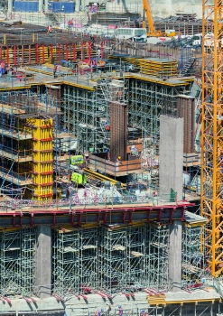 Within a very short space of time, PERI Qatar delivered 10,000 m² of wall and column formwork along with 150,000 m³ shoring to the construction site