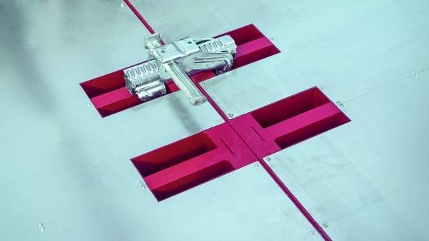 Praxisgerechte Details, wie passende Aussparungen für Verbindungen, sorgten für die effiziente Anwendung der heizbaren Schalung.