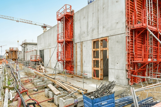Construction work includes two new parallel facilities for the biological treatment of sludge. : Construction work includes two new parallel facilities for the biological treatment of sludge.