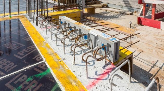 Der Isokorb Typ Q sorgt für die wärmebrückenarme Befestigung der Terrassen, Loggien und Balkone. : Der Isokorb Typ Q sorgt für die wärmebrückenarme Befestigung der Terrassen, Loggien und Balkone.