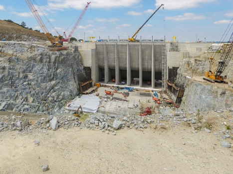 The new spillway with six submerged tainter gates