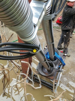 In all of the other, smaller foundation blocks 18 mm to 47 mm Ø bar post-tensioning systems were installed and stressed. : In all of the other, smaller foundation blocks 18 mm to 47 mm Ø bar post-tensioning systems were installed and stressed.