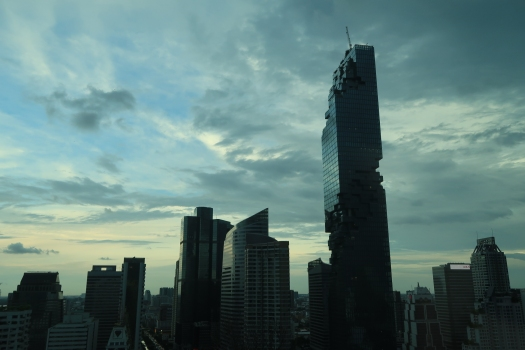 Mit dem 314 m hohen MahaNakhon schuf der Architekt Ole Scheeren ein neues Wahrzeichen in Bangkok.