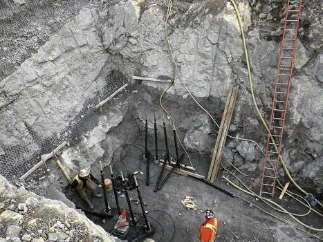 The foundations were anchored in depths of 10 to 20 m in the load-bearing rock using anchors. : The foundations were anchored in depths of 10 to 20 m in the load-bearing rock using anchors.