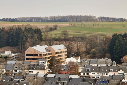 Lycée technique pour professions de santé:Avec près de 9 000 habitants, Ettelbrück forme l'un des trois centres au Luxembourg.