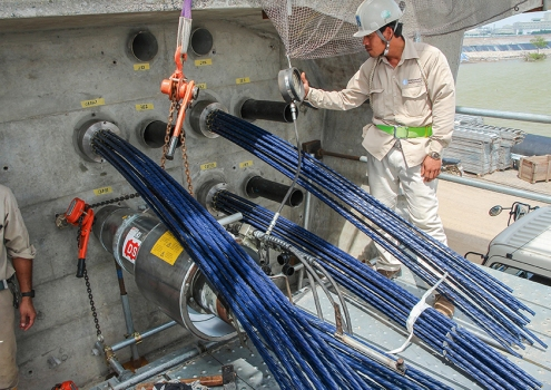 Site supervision with 20 post-tensioning jacks including hydraulic pumps is also provided.