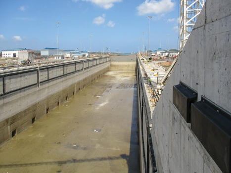 Six sills were repaired: three sills of the Agua Clara Lock Complex on the Atlantic side and – precautionary – three sills that divide the chambers in the Cocoli Lock Complex on the Pacific side