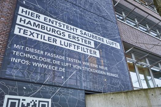 Die stickoxidbindende Textilfassade am Hamburger ECE-Campus