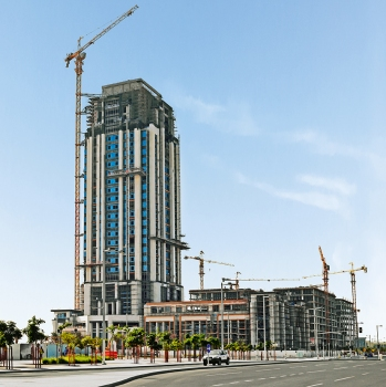 The Marina COM-05 Tower is being built in the marina of Lusail in Qatar.