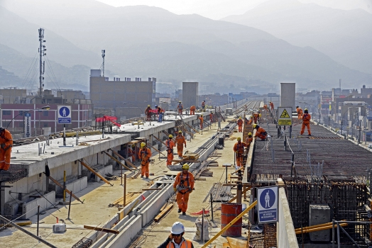 Ongoing work at the elevated railway of Line No. 1