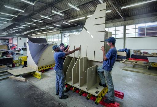 Die 3D-Schalungskörper wurden mithilfe der Formknaggen aus der CNC-Holzbearbeitungsanlage von PERI Brasilien fix und fertig vormontiert.