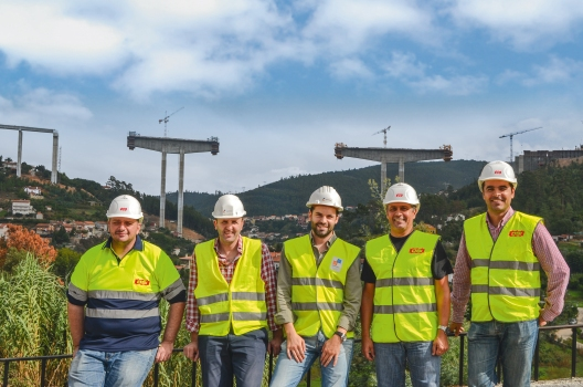 A few of the workers of the Rio Ceira Bridge