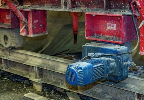 Der elektrische Fahrantrieb des VARIOKIT-Ingenieurbaukastens sorgt für eine schnelle und komfortable Vorwärtsbewegung.  : Der elektrische Fahrantrieb des VARIOKIT-Ingenieurbaukastens sorgt für eine schnelle und komfortable Vorwärtsbewegung.