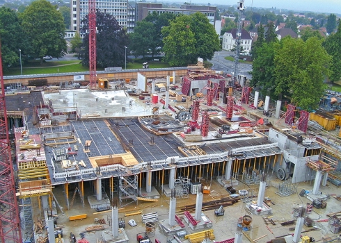 The Schlosshoefe during construction