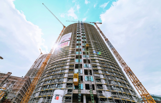 Three residential towers are part of the large-scale project SKY PARK in Bratislava. A combination of a rail climbing system with girder wall formwork was used during the erection of the residential complexes.