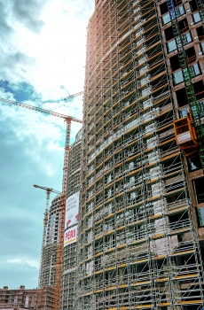 Façade scaffolding was used in addition to falsework.