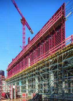 The planning and supply of formwork and scaffolding from one source created a synergy effect for the site management. : The planning and supply of formwork and scaffolding from one source created a synergy effect for the site management.
