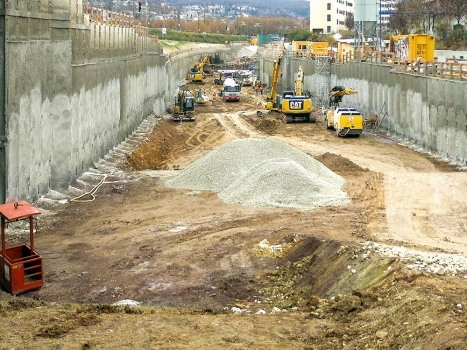 1.5 km of the new section at Mittnacht Street are being built using the open cut method.