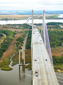 The Talmadge Memorial Bridge has a main span of 335 m long, the overall bridge length is 3.1 km. : The Talmadge Memorial Bridge has a main span of 335 m long, the overall bridge length is 3.1 km.