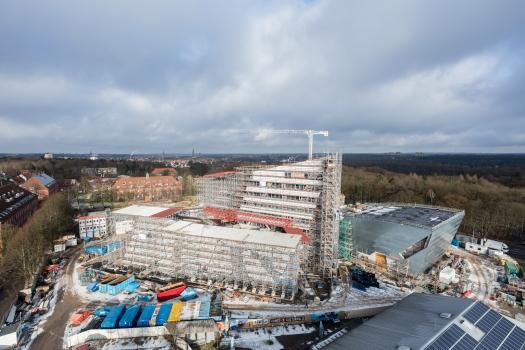 Das neue Zentralgebäude der Leuphana-Universität aus der Vogelperspektive