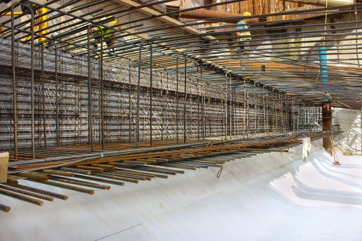 Leakage prevention in the lower layers of reinforcement