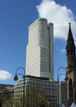 Das Upper West entsteht am Berliner Breitscheidplatz, in unmittelbarer Nähe zur Gedächtniskirche.  : Das Upper West entsteht am Berliner Breitscheidplatz, in unmittelbarer Nähe zur Gedächtniskirche.