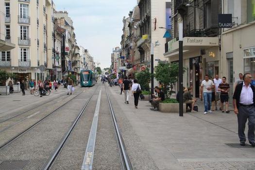 Linie A/B der Straßenbahn Reims