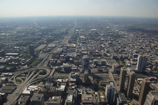 Jonction entre Interstate 290 (á gauche) et Interstate 90/94 à Chicago
