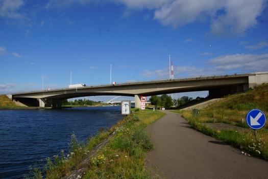 Albert-Kanal-Brücke Oelegem (E34)