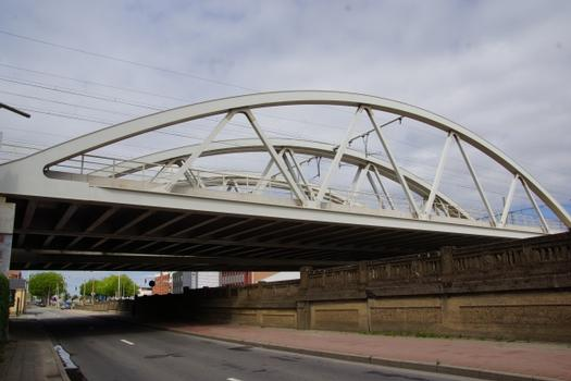 Eisenbahnbrücken über die IJzerlaan