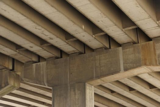 Autobahnhochbrücke Merksem