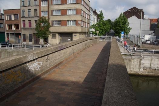 Rue des Gosselies Footbridge