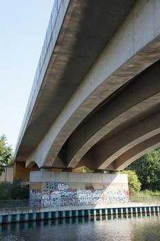 Berlin-Spandauer-Schifffahrtskanal Railroad Overpass