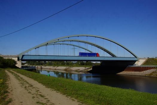 Elbebrücke über den Elbeabstiegskanal