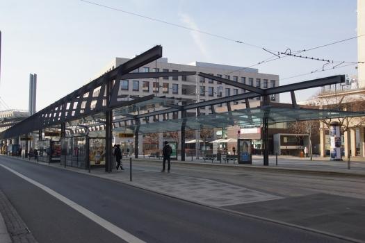 Zentralhaltestelle Postplatz