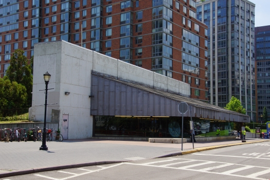 Roosevelt Island Subway Station (63rd Street Line)