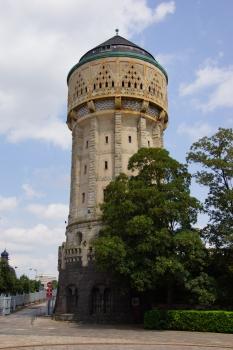 Wasserturm am Bahnhof von Metz
