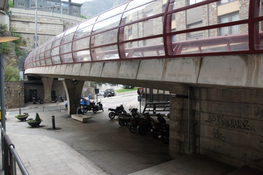 Pont d'accès au tunnel de Pont Pla