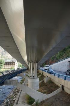 Pont d'accès au tunnel de Tàpia