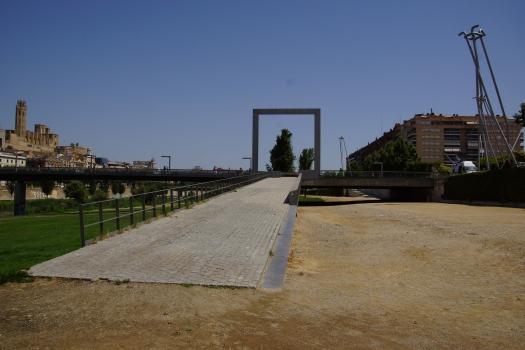 Liceu Escolar Footbridge