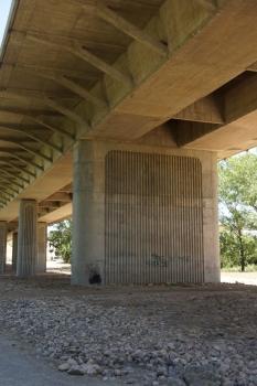 Puente del río Iregua